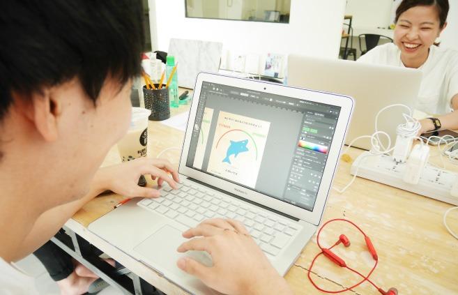 デザインクラスを受けるMITSUKIさん