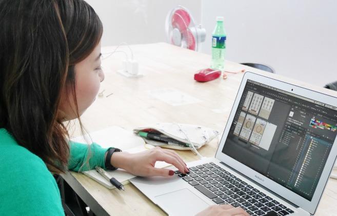 MITSUKIさん、デザイン制作画面